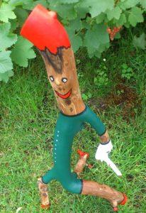 Holzfigur: Der Mahner