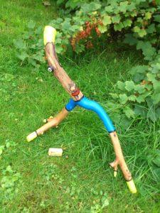 Holzfigur: Der Sprinter