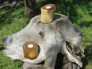 Leuchter aus Essigbaumholz und Eibenholz