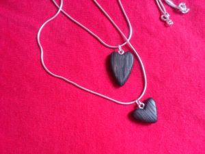 925-er-Sterlingsilberketten mit Herzen aus Mooreiche