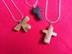 925-er-Sterlingsilberketten mit Antoniuskreuzen aus Eichenholz, Robinie und Mooreiche