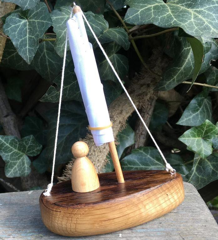 Segelboot aus Eichen-Fassdaube